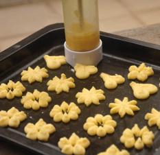 ZUNCLE New Press Cookie Machine Deluxe Biscuit Maker Kitchen Tools Set - Green (Intl)