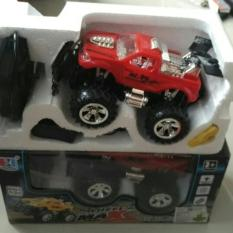 Random House Mainan Mobil Remot Control Bigfoot Jeep Skala 1:24 Merah