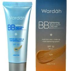Wardah Lightening BB Cream SPF 32 Light - 15ml