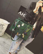 2016 The New Fashion Bird Embroidery Retro Handbag Large Shoudler Bag Cross Body Bag, Green