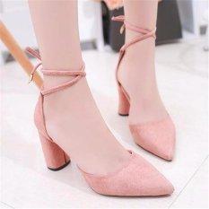 Sepatu Wanita resmi menunjuk ujung belati kecil pompa dengan berpayet Emas. Source · Jual Sepatu