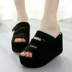 Femine - Sepatu Sandal Wedges Wanita SDW65B- Hitam