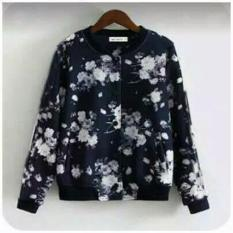 PusatFashion Jaket Casual wanita Motif Flower Babyterry - Hitam
