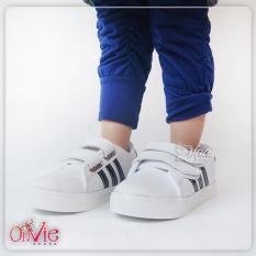 Qfaa - Fashion Anak Sepatu Kets Sneaker Anak List Hitam