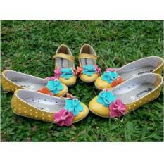 Sepatu murah kembaran coupleshoes ibu dan anak yellow flower sepatu couple
