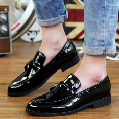 Tidog Young British Men Casual Shoes Retro Tassel Lazy Men Shoes Pointed A Breathable Shoes Men Fashion Shoes