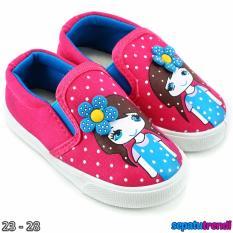 TrendiShoes Sepatu Anak Perempuan Slip On Denim Import CESNW - Fuchsia