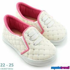 TrendiShoes Sepatu Anak Perempuan Slip On Variasi 3 Tali CNLMCP - Putih
