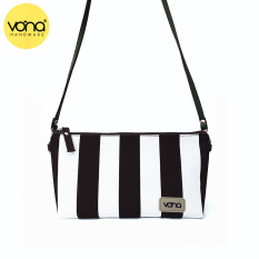 Vona Nautical Costa Clutch - Hitam-Putih