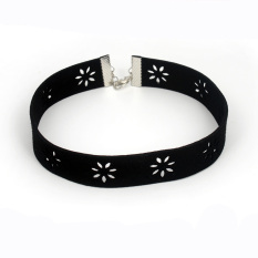 Fashion Jewelry Chic Simple Sexy Black Hollow Out Flower Chokers Short Velvet Choker Necklace Chocker Collier Ras Women Torques - Intl