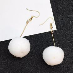 LRC Anting Gantung Elegant White Fuzzy Ball Pendant Decorated Pure Color Simple Earrings