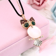 OH New Fashion Crystal Green Eye Owl Vintage Necklace Charm Pendant Long Chain Gold (Intl)