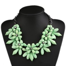 UJS Crystal Blue Flowers Fashion Short Paragraph Clavicle Necklace Jewelry (Intl)