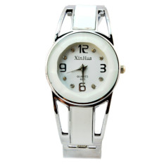 Yika Fashion Women's Alloy Band Quartz Analog Round Dress Bracelet Wrist Watch Gift (Yellow) (Intl)
