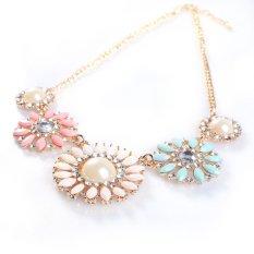 Fashion Resin Rhinestone Five Charm Color Flower Shape Collar Bib Necklace B94U - Intl