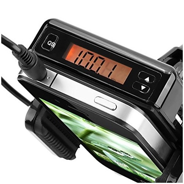 FM Transmitter with Holder and 3.5mm Audio Cable - Hitam