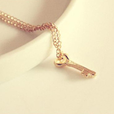 OEM Jewelry Ladies Lovely Gift Gold Color Alloy Necklace Short Necklace Key Shape (Intl)