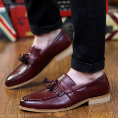 Tidog British Retro Toe Head Tassel Small Young Men Leisure Shoes Of Leather Shoes Men Wedding Shoes