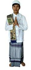 Udlia Moslem Gift Set 4 In 1 Baju Koko-Sarung-Sajadah-Peci Putih