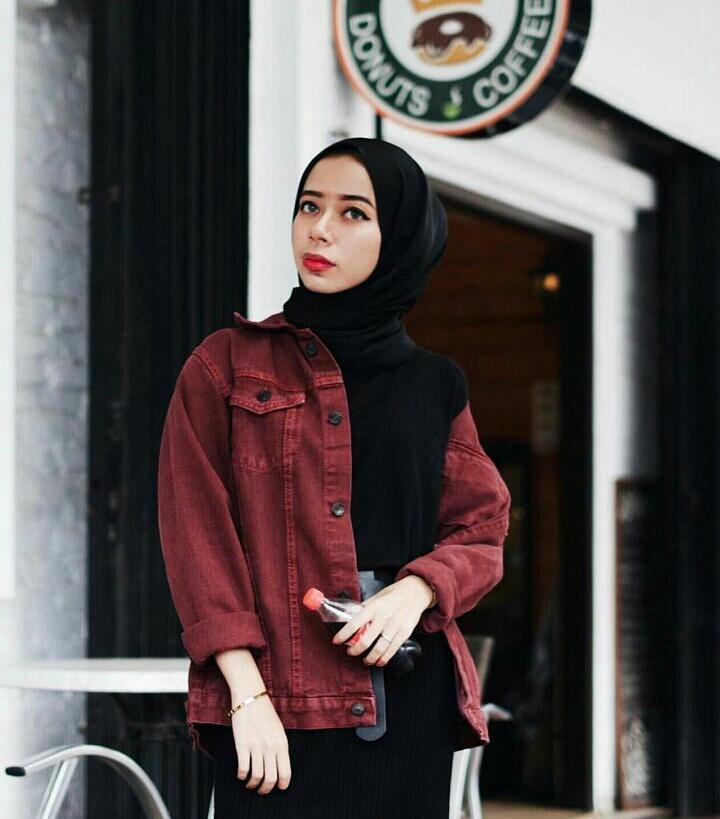 Rp 115.900. AG APPAREL - Jacket Jeans Oversized Maroon - Jaket Wanita / Fashion Wanita / Outerwear Wanita / Jaket ...