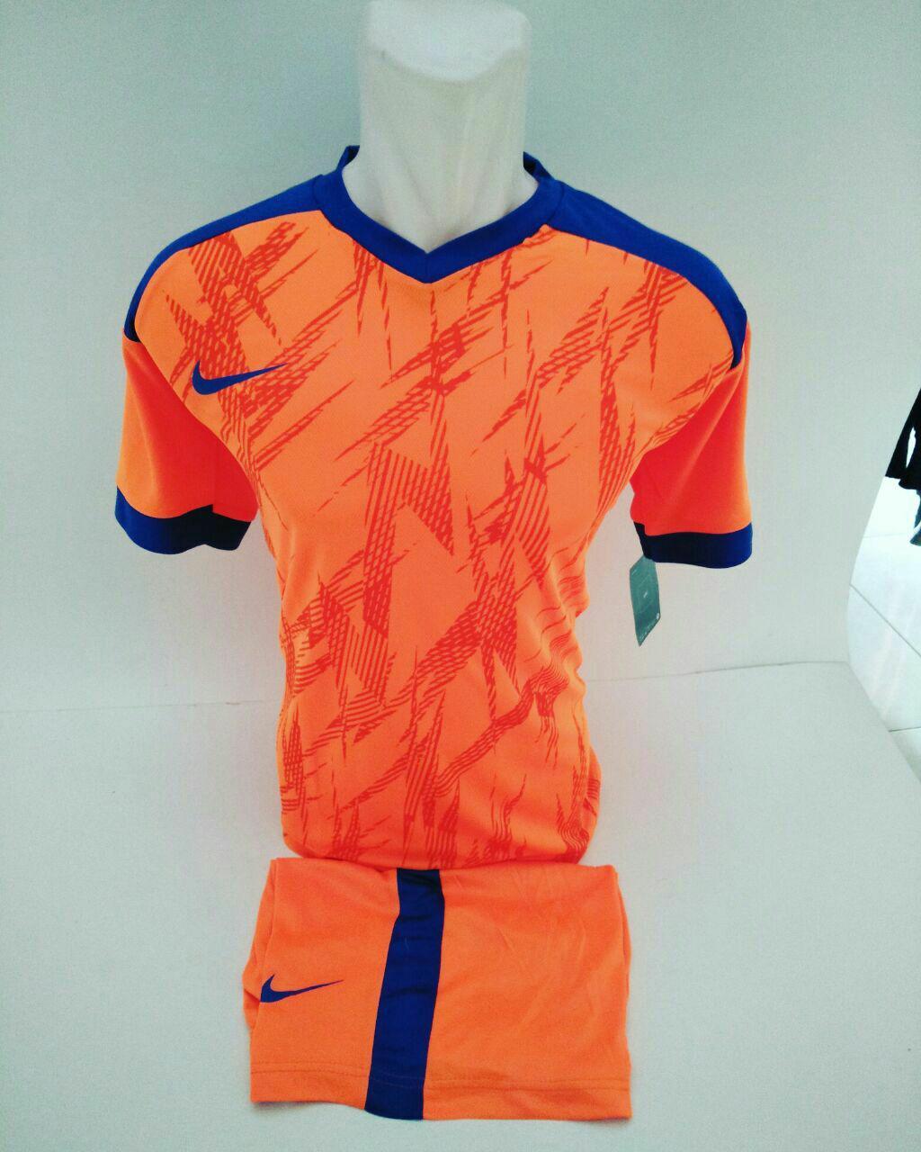Baju Olahraga Jersey Bola Kaos Setelan Futsal / Volly Nike