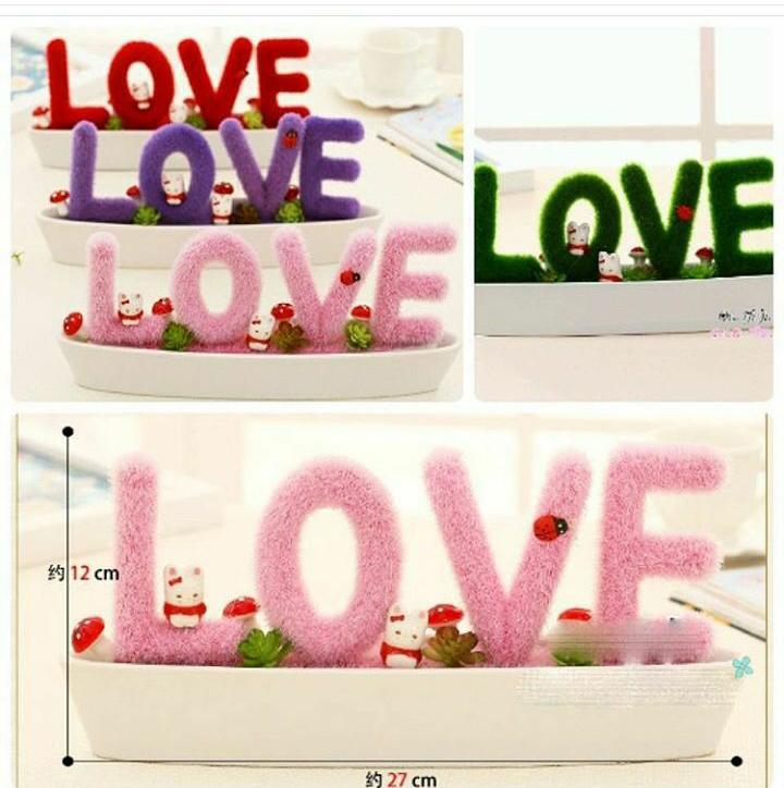 tanaman rumput bentuk huruf LOVE HIJAU / artificial plant LOVE GREEN