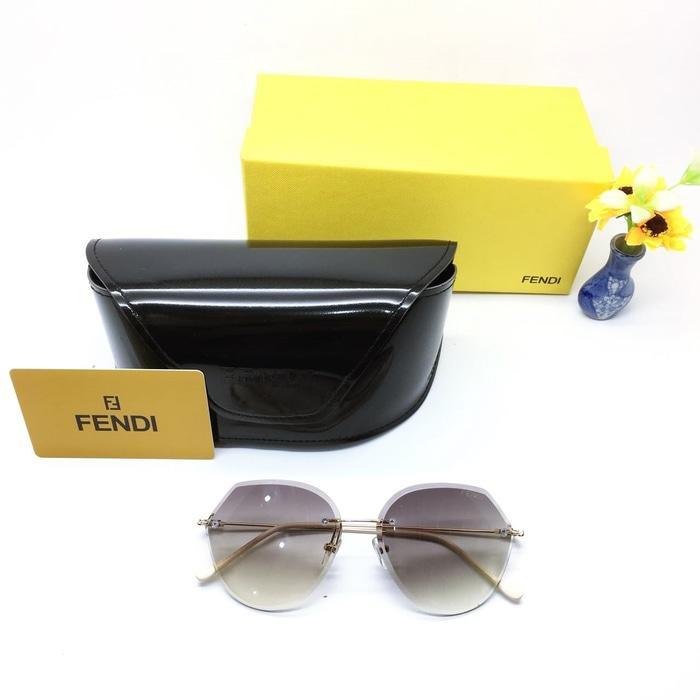 Kacamata / Sunglass Wanita Fendi M-7017 Fullset + Cairan Pembersih