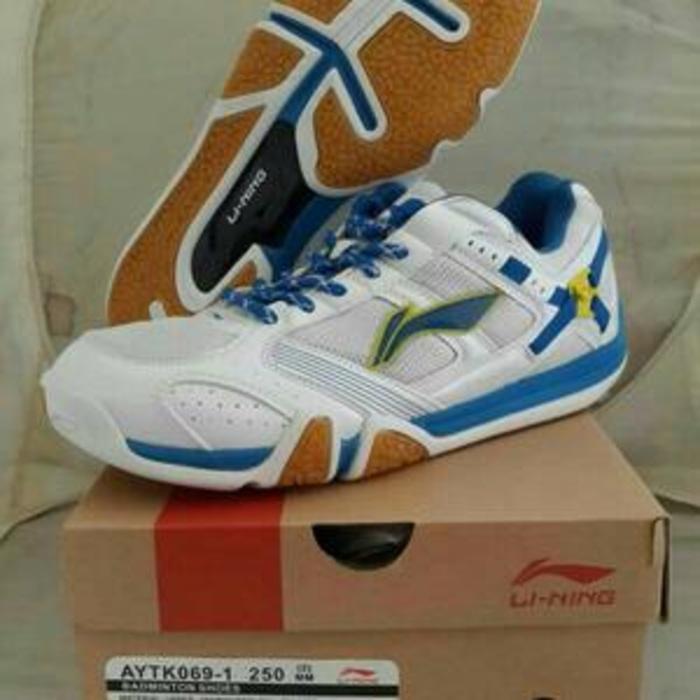 Obraalll Sepatu Badminton Lining Saga Matrix Original Harga Lengkap ... 3d5f4a3b3f