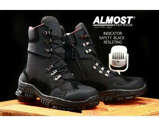 Sepatu Boots Tinggi Indicator PDL Safety Kulit Ujung Besi Sepatu Trail / Tracking / Sepatu Anak Motor Size 39-43 Tan Dan Hitam