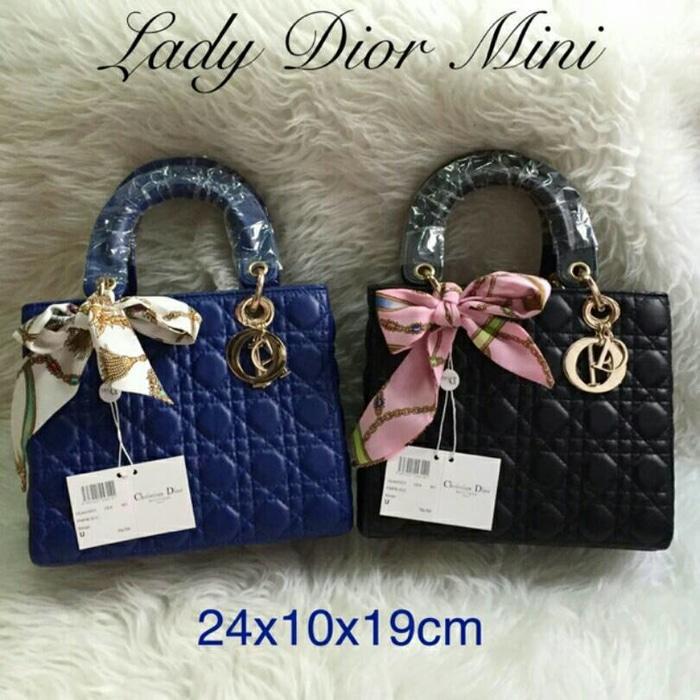 0949070fca0aaa8900abf83443a03635 10 Harga Tas Wanita Dior Terbaru tahun ini