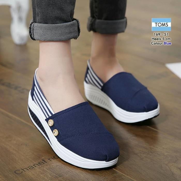 SEPATU KETS / WEDGES NR024 NAVI SLIP ON TOMS / slip on / sepatu murah / sepatu boots / sandal flat / sepatu sneakers / sandal keren / high heels unik / sepatu wanita / sandal wanita / sepatu sandal / sepatu berkualitas
