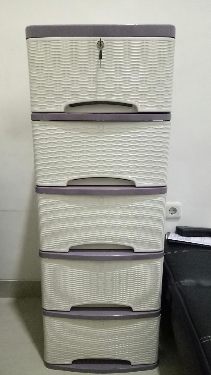 LEMARI PELASTIK HOT ITEM - lemari plastik murah merk lily motif rotan 5 susun putih - Container cabinet rotan s5 / container plastik