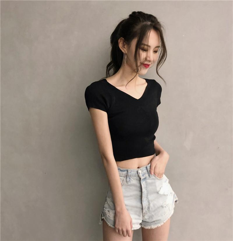 Baju Dalaman Korea Fashion Style Rajutan Slim Kaos Di Atas Pusar (Hitam)