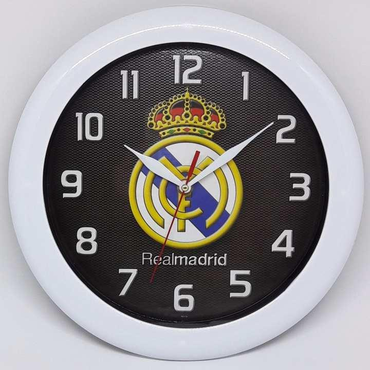 Jam Dinding On Time - Real Madrid