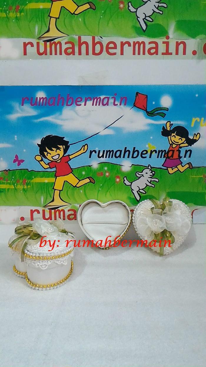 Tempat Bantalan Cincin Pernikahan Tunangan (Love9cm) Ring Pillow Kotak Asli Original