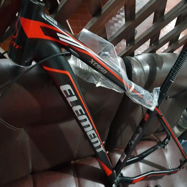 Frame set MTB Element XC950 Sambungan Las alus alias Carbon Look Bonus Seatpost Seatclamp Headset sama standard samping