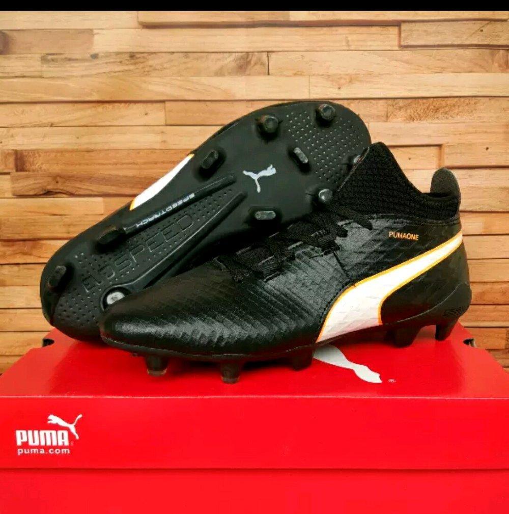 Sepatu Bola Puma Evo Speed