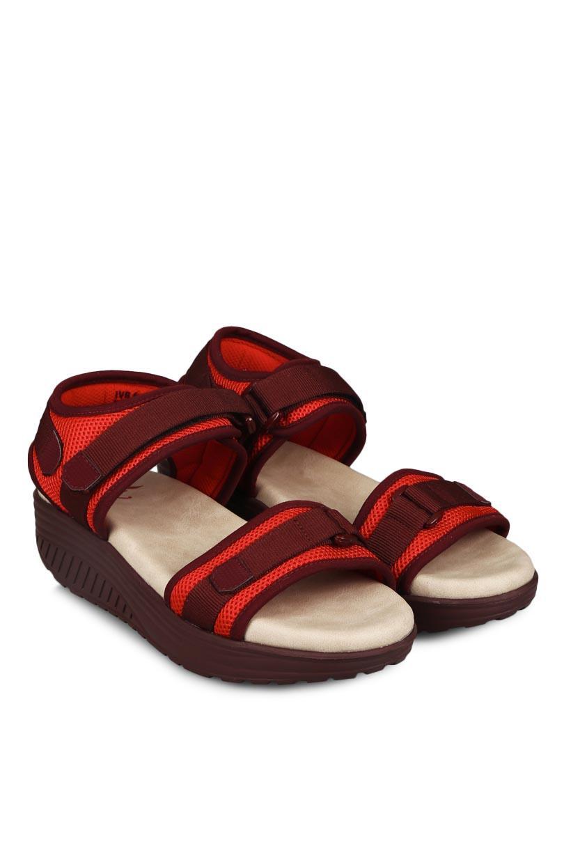 Yongki Komaladi Sandal & Flip Flop Fashion Wanita Engrasih Red