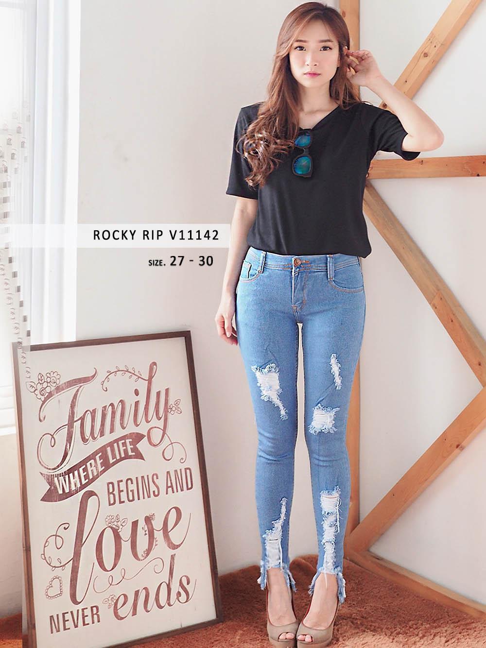 Celana panjang jeans Ripped skinny wanita murah JEANS BEST SELLER!!IDR139900. Rp 150.000