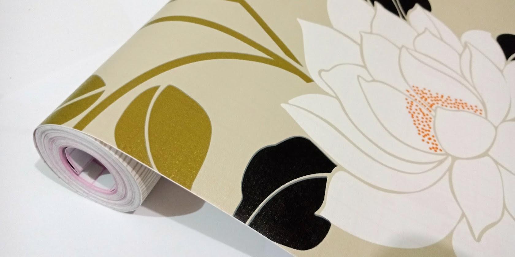 Detail Gambar Grosir murah wallpaper sticker dinding kamar ruang indah coklat susu bunga putih daun hijau dan hitam Terbaru
