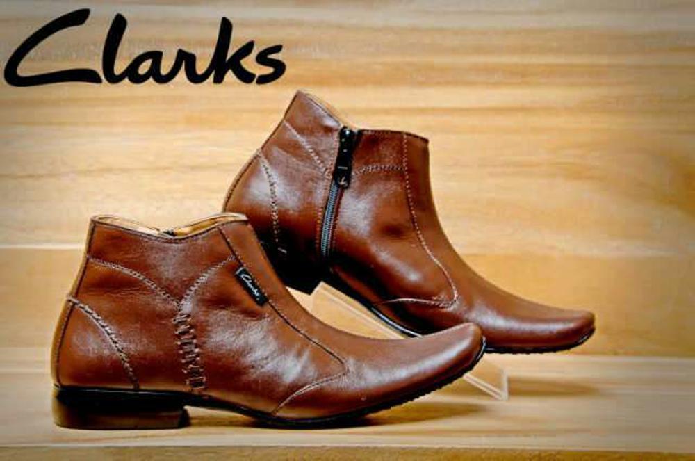 Promo Sepatu clarks pantofel tinggi boots resleting warna coklat brown untuk kerja kantor resmi formal pesta undangan fashion style trendy pria  Fashion