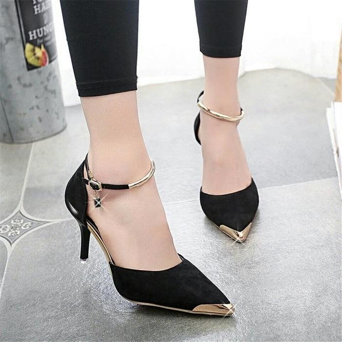 High Heels Pantofel Gelang Gold Fashion Kerja dan Pesta Hitam Sepatu Wanita Promo !