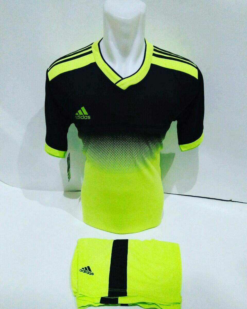 Baju Olahraga Jersey Bola Kaos Setelan Futsal / Volly Adidas