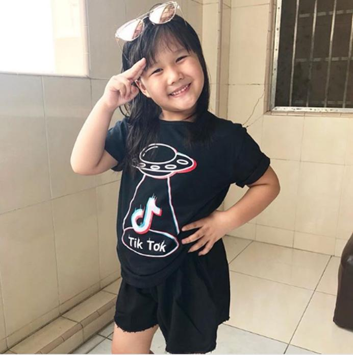 Acc Global /  Kaos / Kaos Anak / TIK TOK  BAJU KAOS TIKTOK KIDS SIZE M  BAJU ANAK HITAM