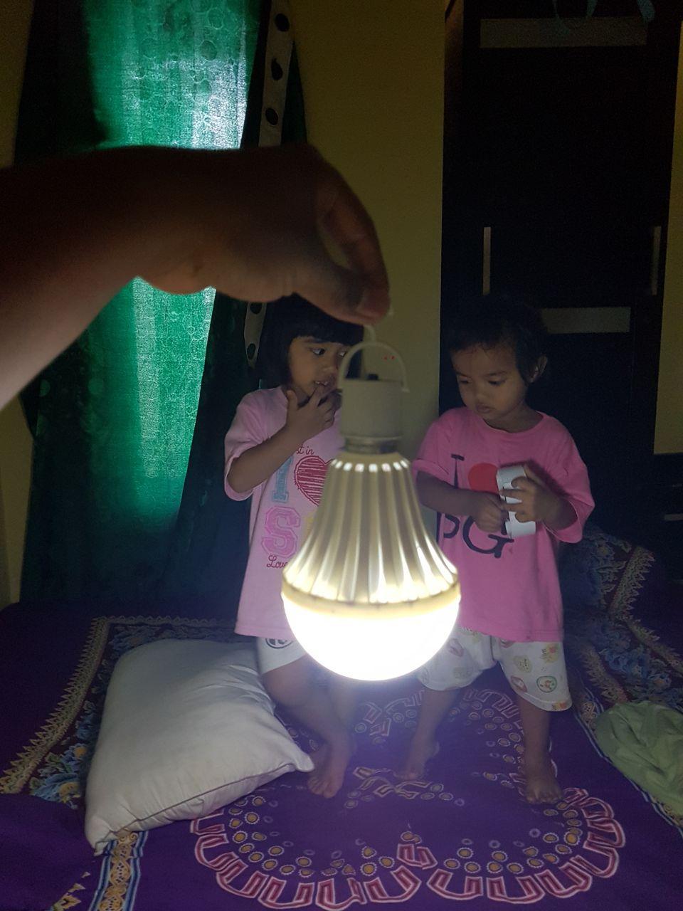 PROMO MURAH!BOHLAM LAMPU AJAIB SENTER LED EMERGENCY MATI LAMPU YAZUHO 15 WATT TERBAIK TERANG BANGET