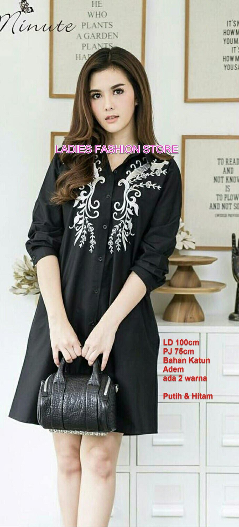 Kemeja Tunik Wanita Kerah / Baju Lebaran / Tunik Wanita / Atasan Wanita / Blouse Cewek / Pakaian Wanita Terndi / Dress Wanita Pendek / Midi Dress / New Long Hem / korean Dress / Baju Tunik Import / Baju Muslim Tunik / nr owerfl blackwhit - HITAM