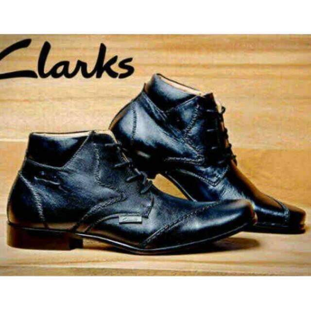 Sepatu Boot Pantopel Clarks Casual Pria Kerja