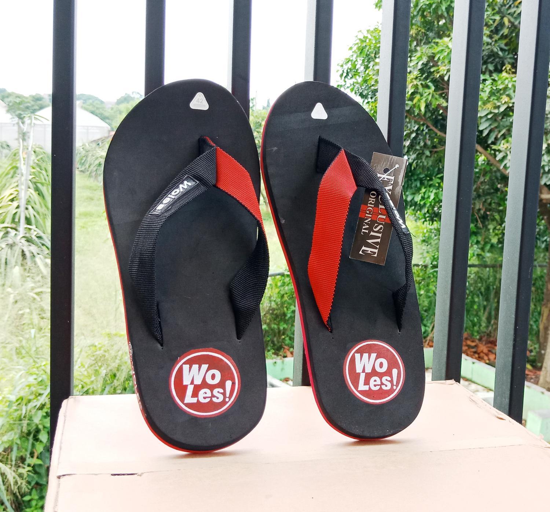 Sandal  Woles Exlusive Original Bawahan Merah Alas Hitam (Sendal Woles Spon Trendy)