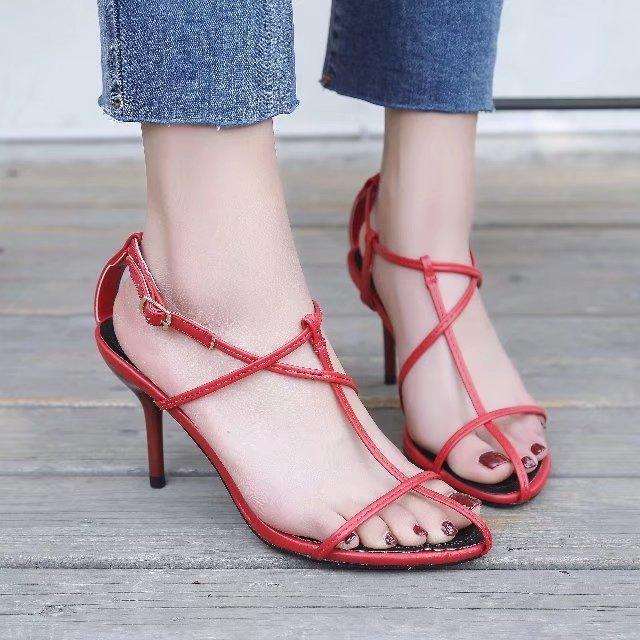 ed4e4a0ca 2018 new network explosion models sandals female summer fashion wild  high-heeled hollow buckle buckle