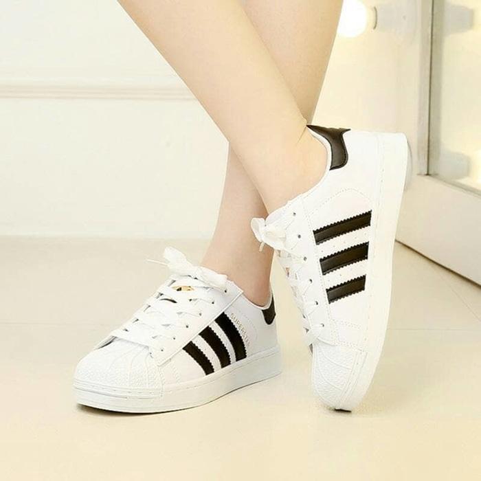SEPATU KETS / SNEAKERS A.D.I.D.A.S YZ42 / sepatu / sepatu murah / sandal / sandal flat / sepatu sneakers / sandal keren / high heels unik / sepatu wanita / sandal wanita / sepatu sandal / sepatu berkualitas